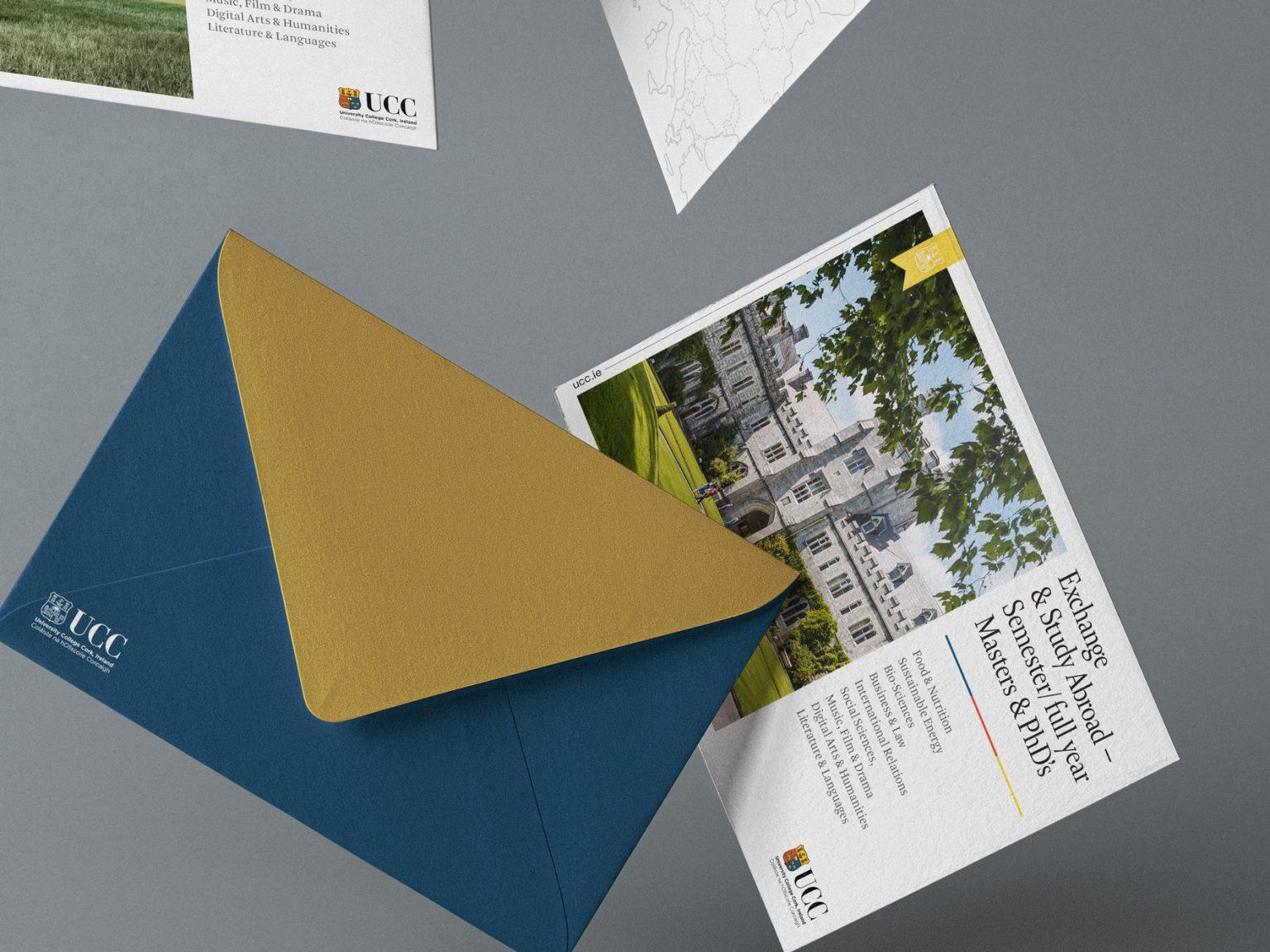Falling-brochures-Landscape-4x3